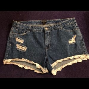 Sz 18 Lace Bottom Distressed Forever 21 Shorts